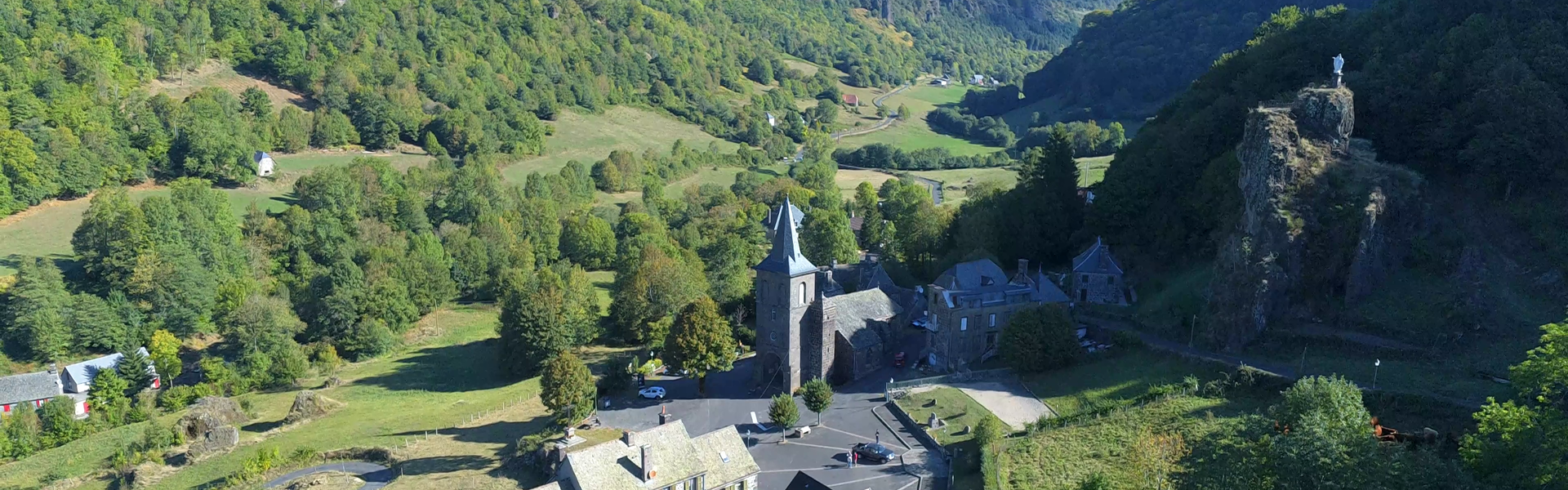 Commune Mairie Village Salers Cantal Auvergne